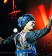 Oumou Sangaré, la voz de los 'sin voz' en África