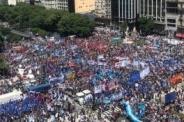 Masivas marchas contra el hambre y los tarifazos en Argentina