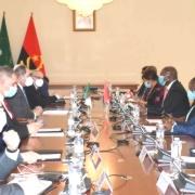 Angola y Argelia negocian proyectos para ampliar cooperación