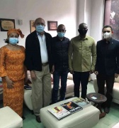 Zolani Mkiva, el Poeta de África,  visitó el Centro de Saberes Africanos y se reunió con Reinaldo Bolívar