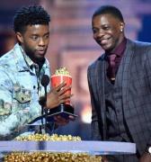 Actor de Pantera Negra premia a joven que detuvo tiroteo en EE.UU.