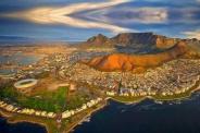 El parlamento de Sudáfrica respalda la expropiación de tierras sin compensación