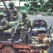 África occidental recurre a las sanciones mientras los golpistas consolidan el poder en Guinea y Malí